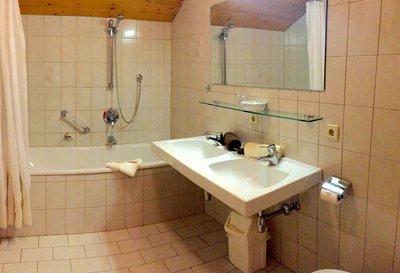 Badezimmer_11.jpg